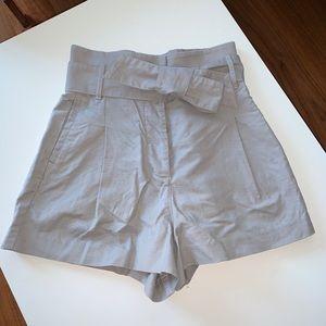 Aritzia- linen shorts